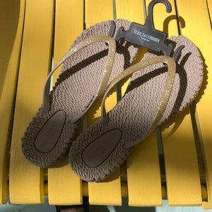 NEW Ilse Jacobsen Flip Flops in Gold Sparkle!
